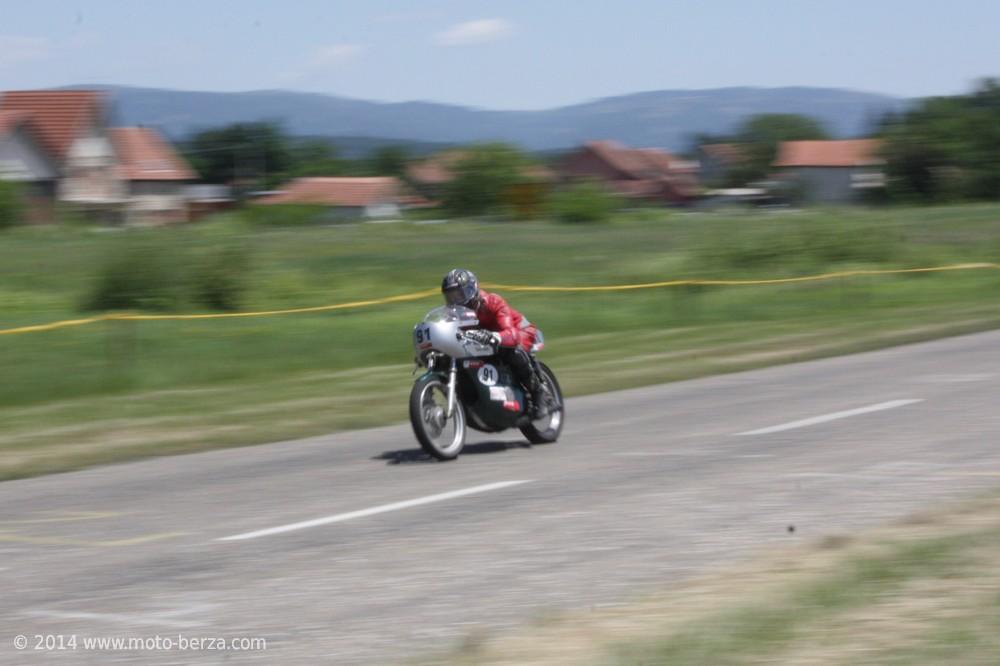 11452-nagrada-kragujevca-2014---moto-klasik-0