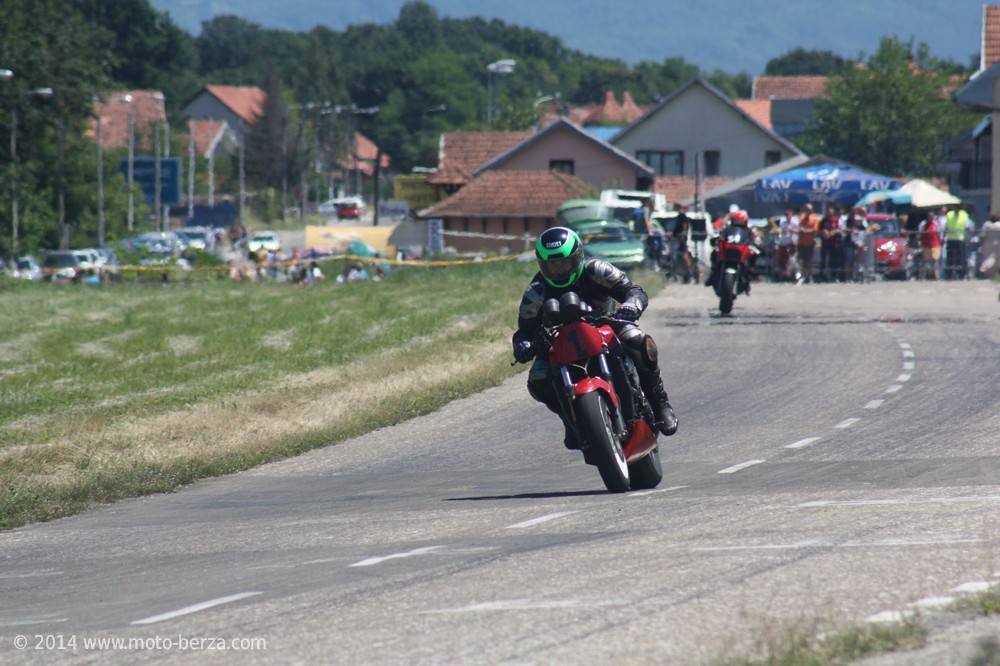 11468-nagrada-kragujevca-2014---moto-klasik-0